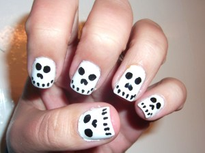Halloween Skull Nails- So easy and cute!!!