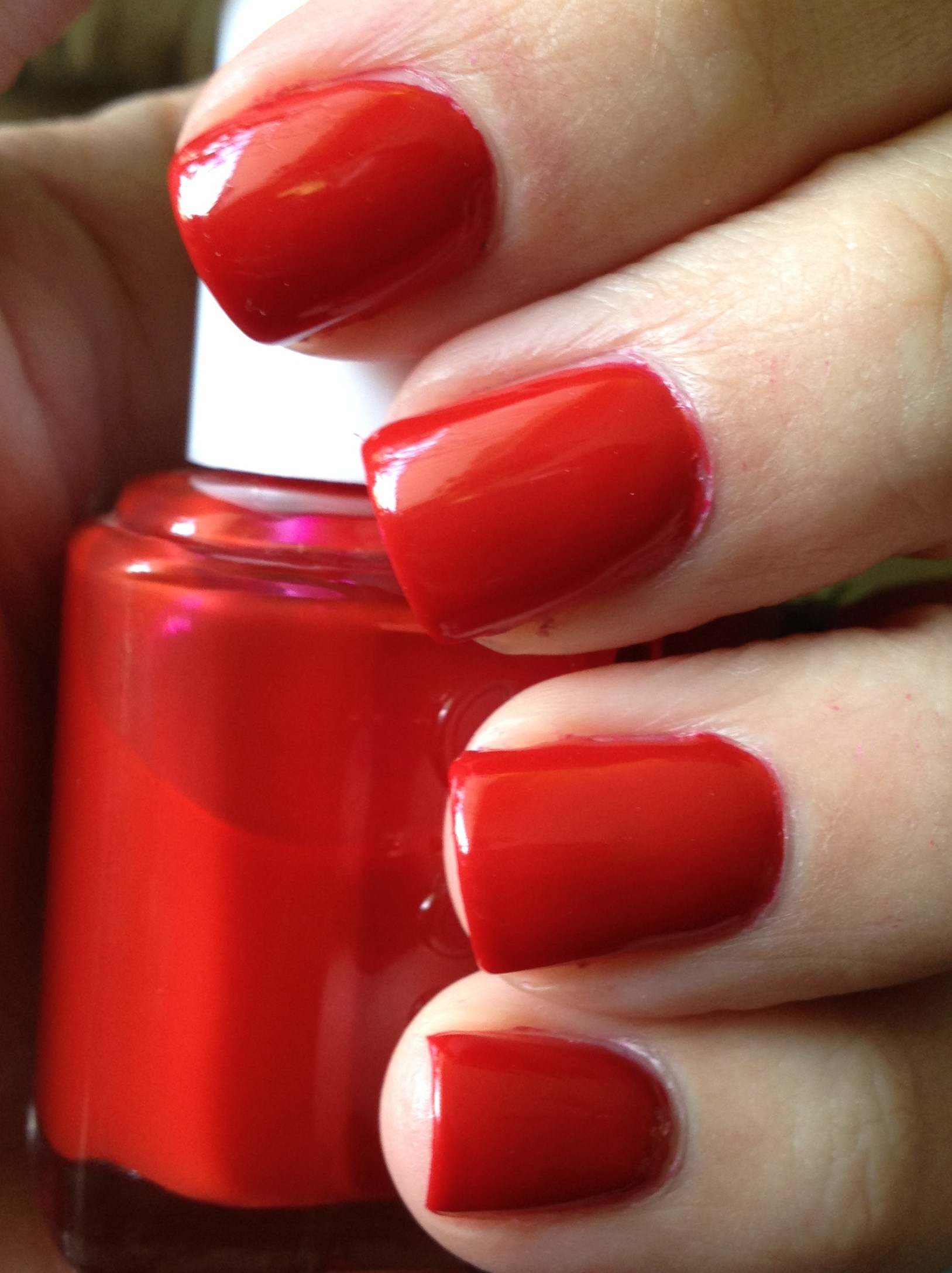 Essie Jelly Apple Review | Polish Me, Please!