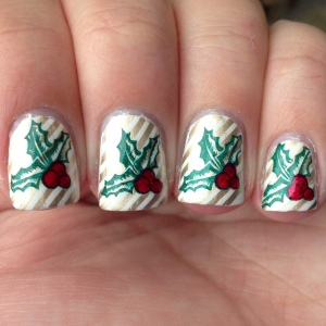 HollyBerryWrappingPaperNails