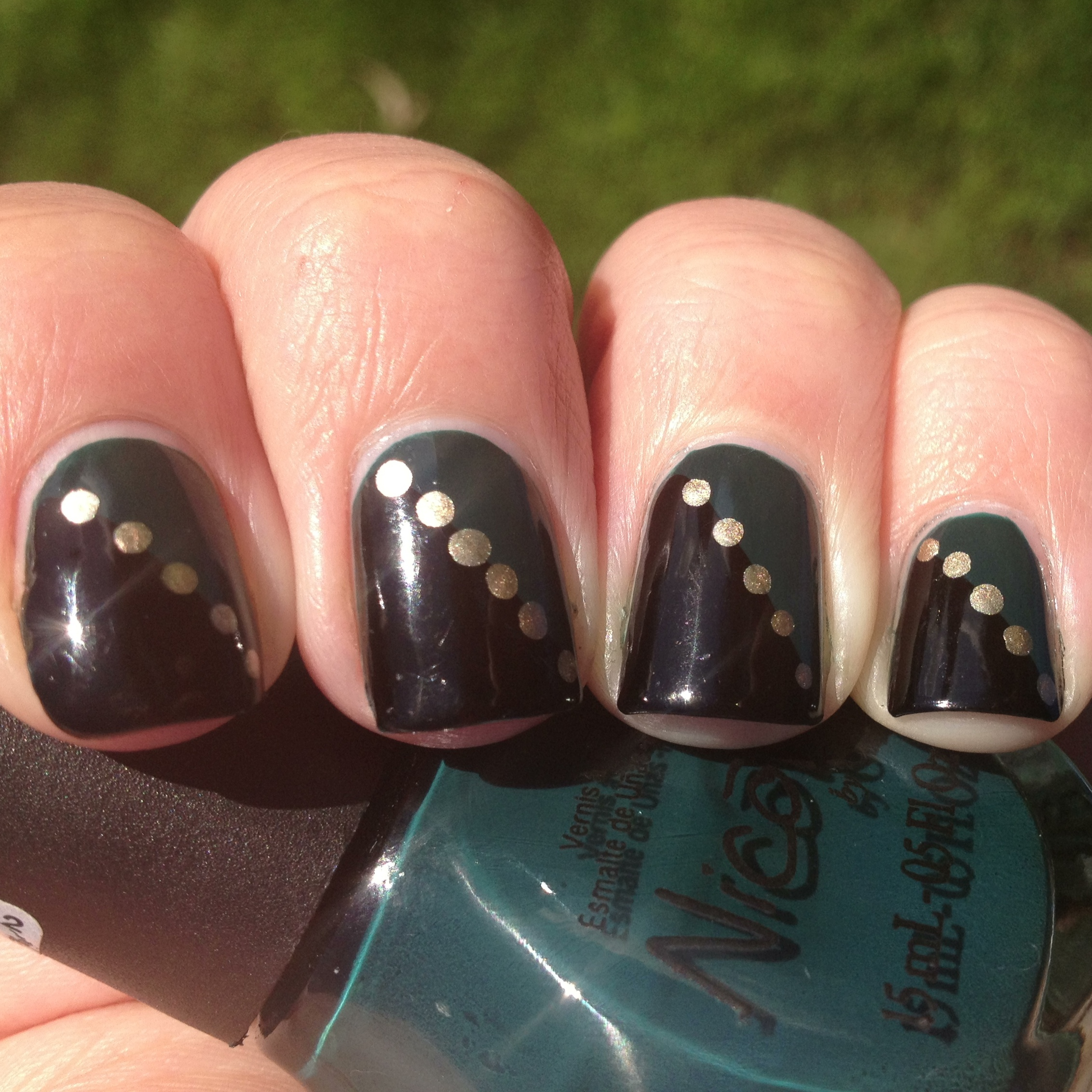 Chic Green, Black and Gold Nails | Polish Me, Please!